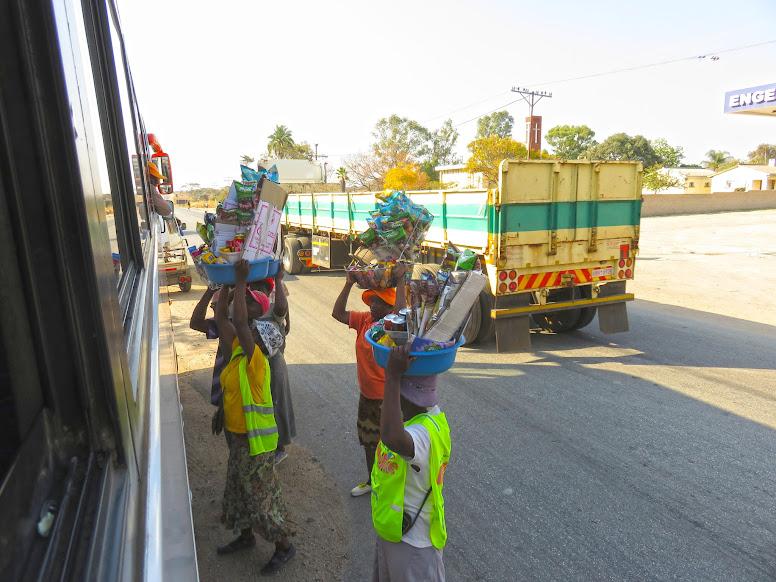 TRANSPORTES NO ZIMBÁBUE - Aventuras nas estradas do Zimbábue (viajar em África de forma independente)   Zimbábue