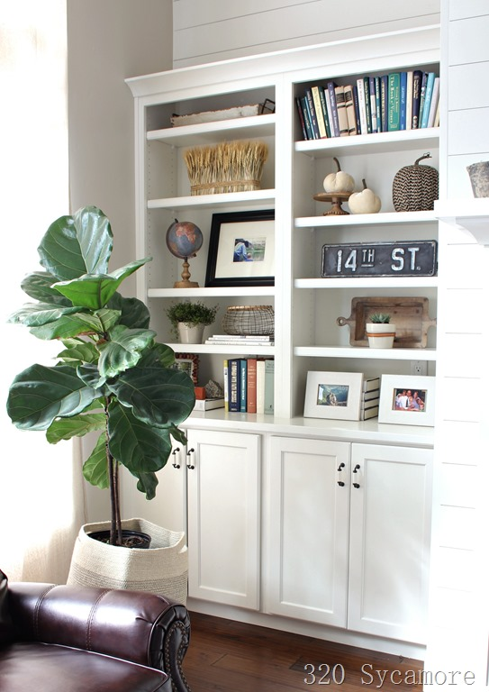 [how+to+style+built+ins+fall+shelf+styling%5B2%5D]