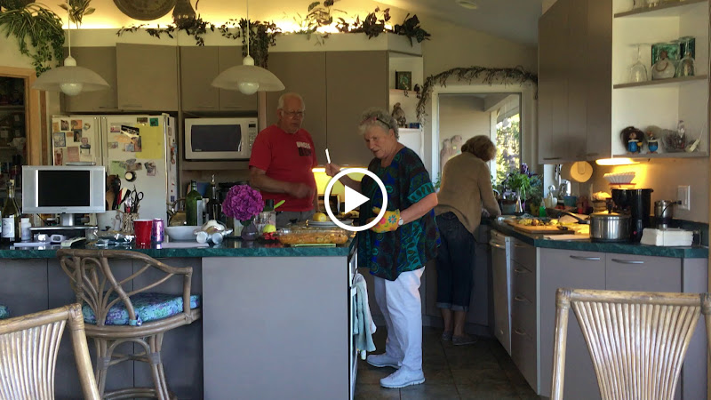 IMG_0918 - Bob, Elaine and Francie meal prep