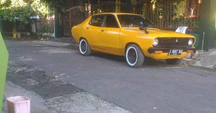 Lapak Sedan Retro Japan : Dijual Datsun 120Y Tahun 75 ...