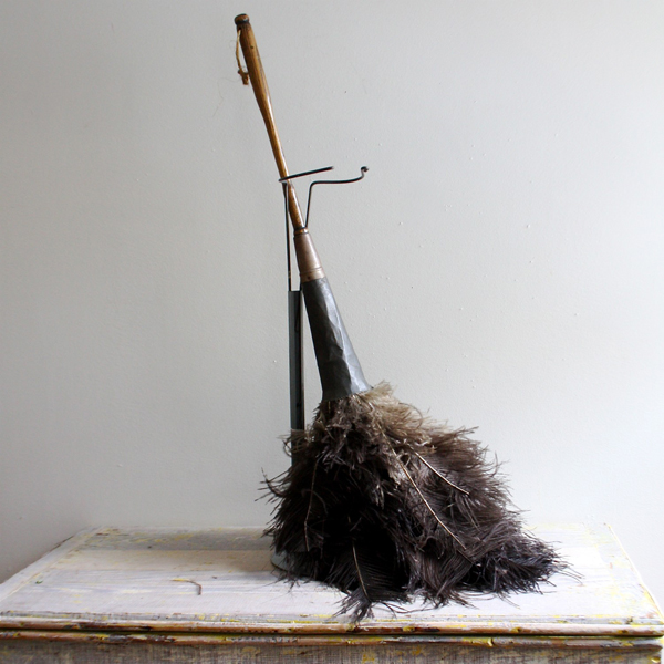 Ethanollie / Trampoline Vintage - Enormous Antique Victorian Feather Duster and Stand