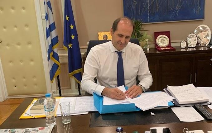 Έδωσε παράταση στα τέλη κυκλοφορίας ο Απόστολος Βεσυρόπουλος