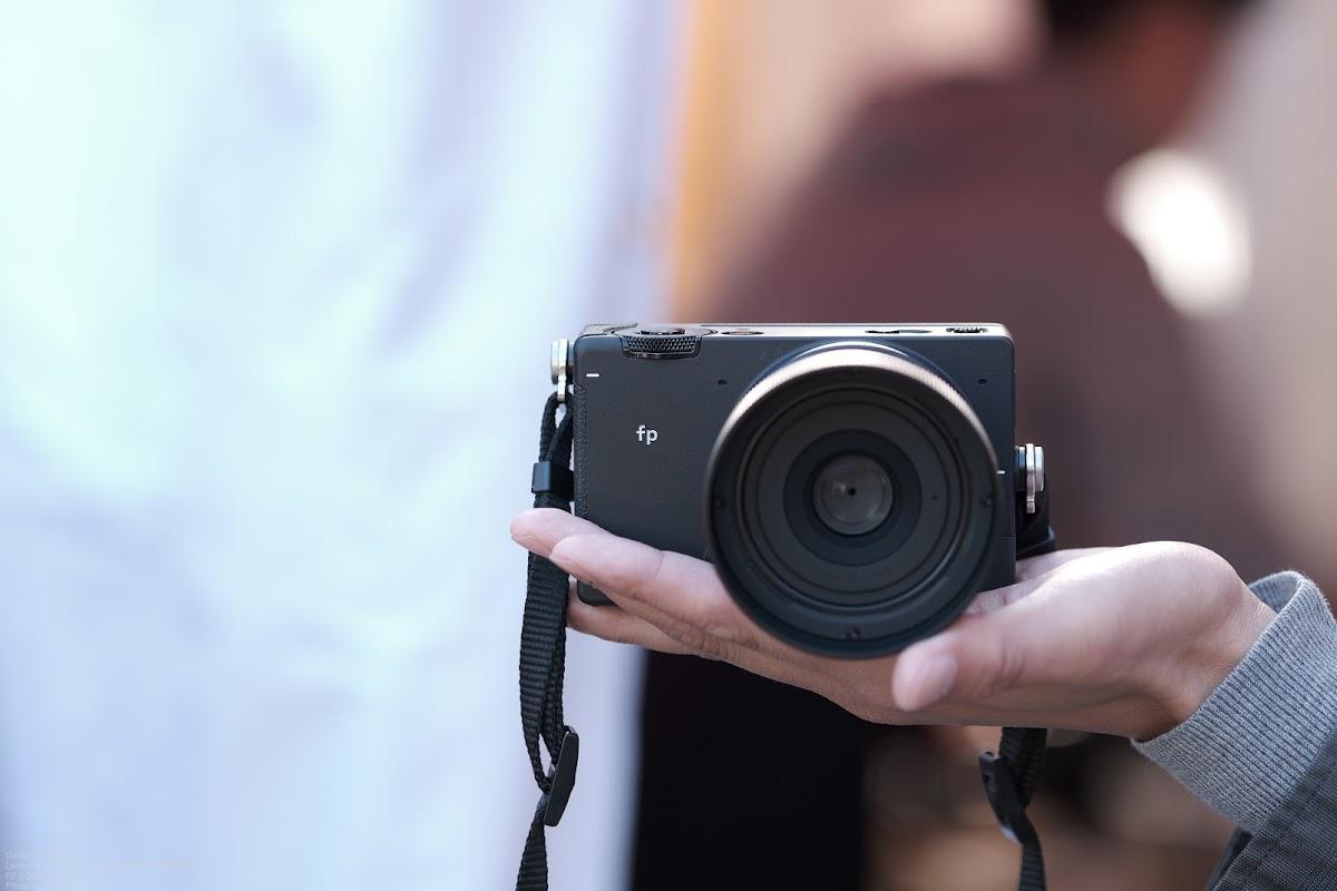 SIGMA fpを借りて軽くスナップの画像