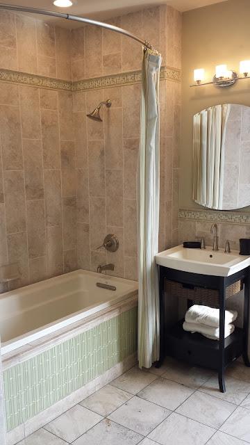 Bathrooms - 20140204_091610.jpg