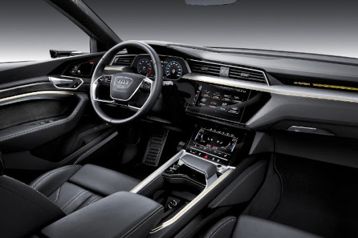 e-tron SUav Audi