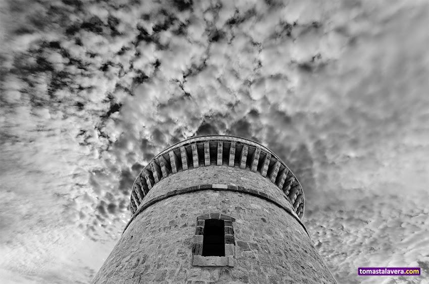 Nikon D5100, 10-20 mm, Edificios y Monumentos, Torre de la Illeta, El Campello, Blanco y negro, Nubes, Torres,