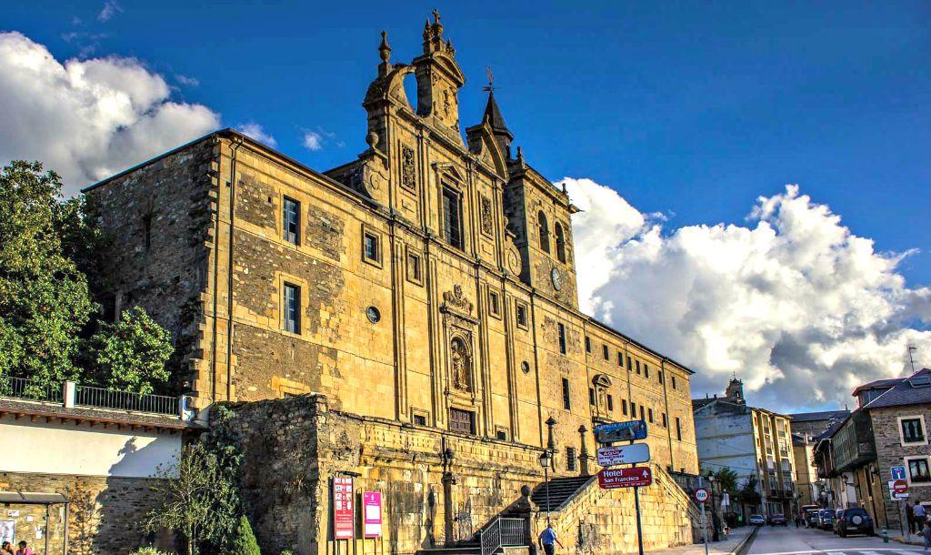 Albergue de peregrinos Hospedería San Nicolás El Real, Villafranca del Bierzo, León :: Albergues del Camino de Santiago