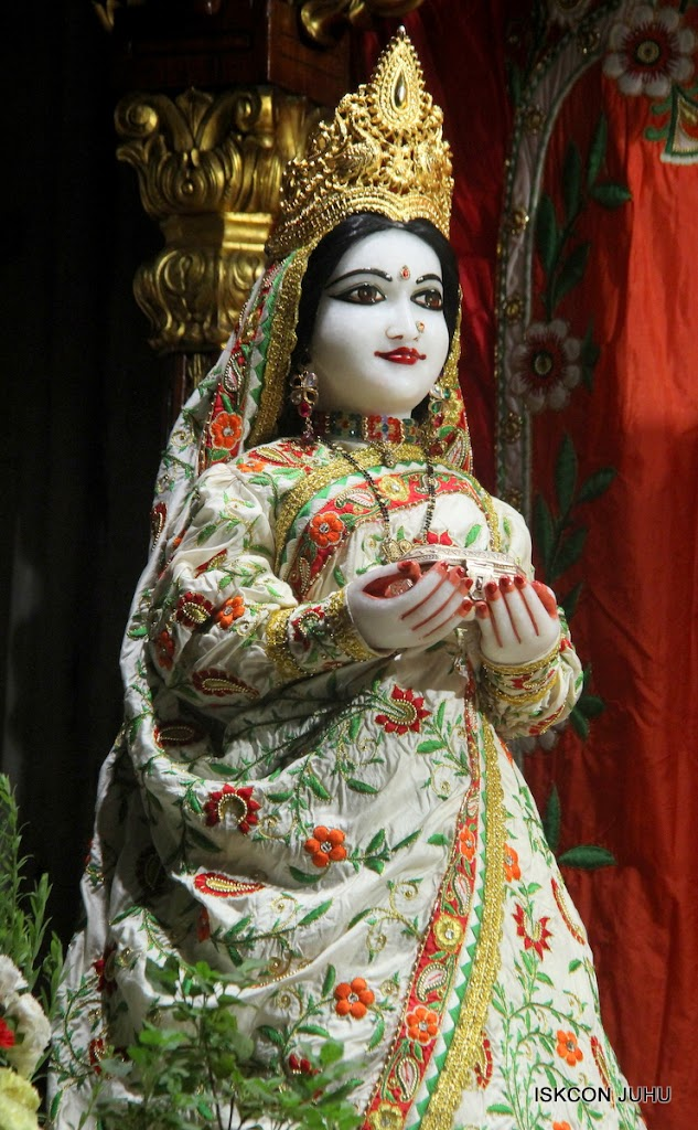 ISKCON Juhu Mangal Deity Darshan on 28th June 2016 (16)