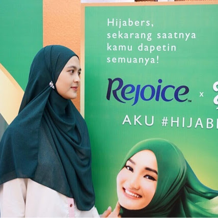 Tetap Cool Berhijab dan Berkarya Tanpa Masalah RambutKarenaKita #Hijabisa