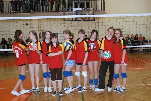 Zawody siatkarskie dziewczat 1 marca 2011 - DSC09365_1.JPG