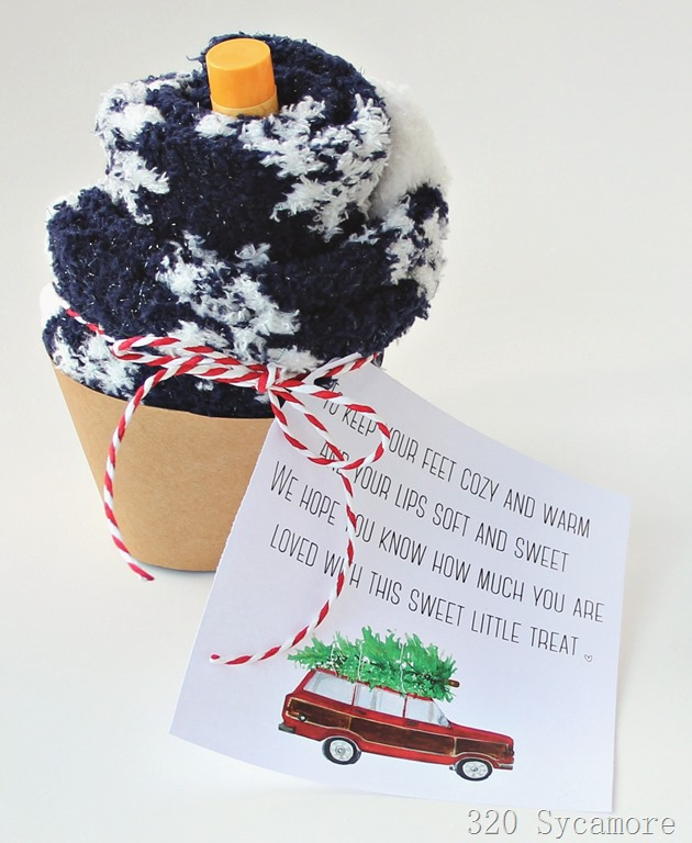 [christmas+gift+idea+socks+chapstick+printable+gift+tag%5B5%5D]