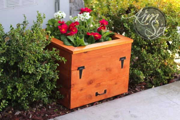 Planter box with built in storage