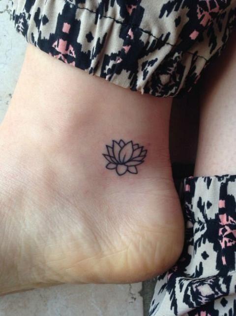 calcanhar_de_tatuagem_de_flor_de_ltus