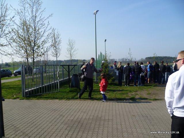 Veľkonočný medzinárodný ZLATÝ futbalový turnaj ČSFA (17.4.2011) - P1020030.JPG