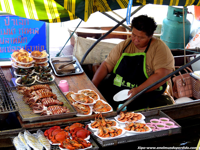 vendedora-comida-amphawa.JPG