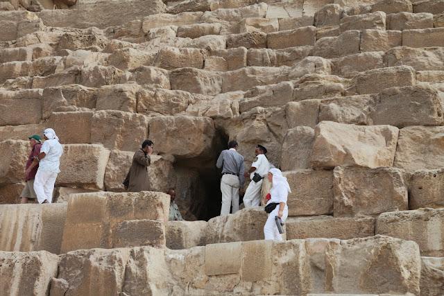 فى مصر الرجل تدب مكان ماتحب ( خاص من أمواج ) IMG_1695