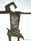 Corpus, Hülle, Bronze, rote Farbe, Detail, 2001