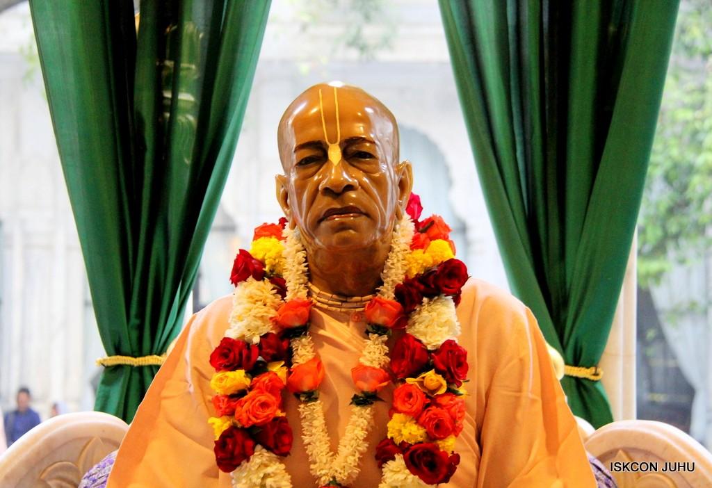 ISKCON Juhu Sringar Deity Darshan on 2nd Jan 2017 (48)
