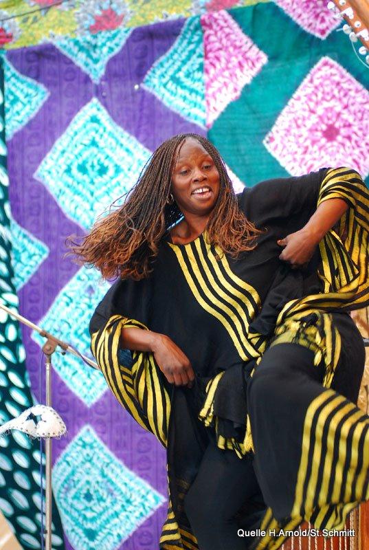 Amoonafi (2009) - Amoonafi15.jpg