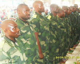 Les seize officiers mutins au cours du procès à Uvira (Sud-Kivu). Photo Radio Okapi.