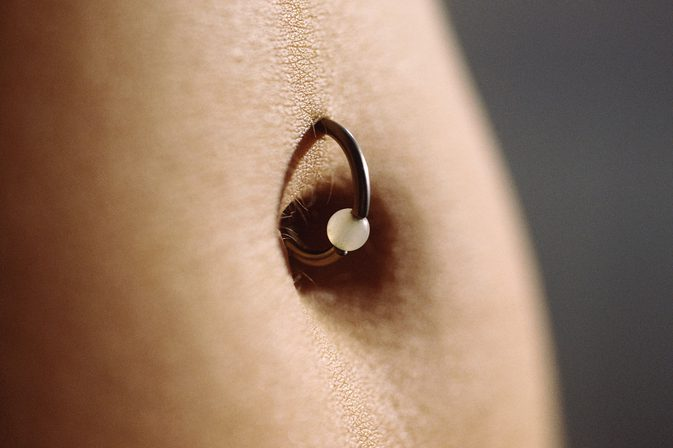 NAVAL PIERCING FOR WOMAN AND THE RULES YOU SHOULD  KNOW BEFORE USING IT. 3