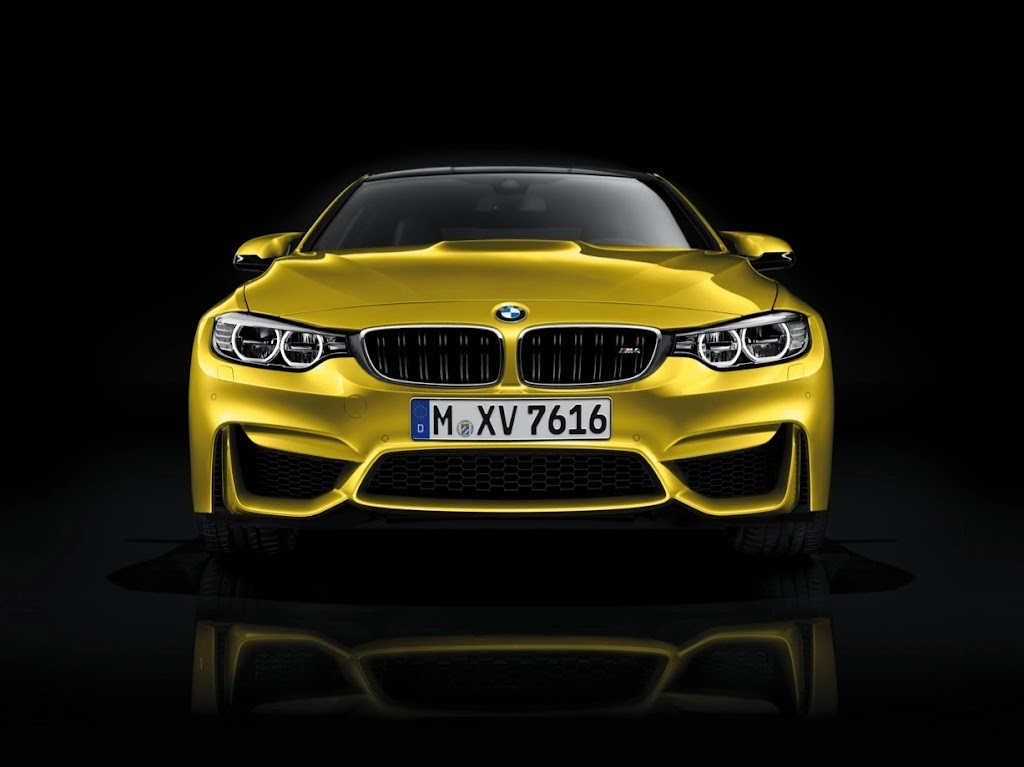 2015 BMW M4 Coupe 35