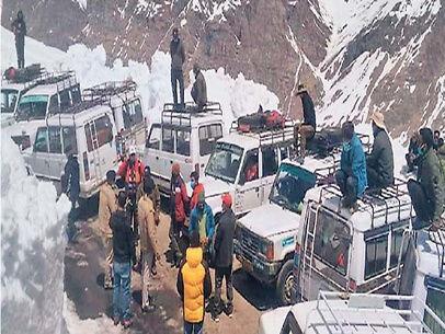 कोरोना से राहत / लाहौल स्पीति जा रहे 133 किसानों में से 5 किसानों को अनफिट कर वापस भेजा