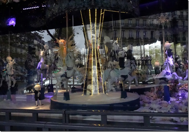 paris au printemps vitrine 111715 00000