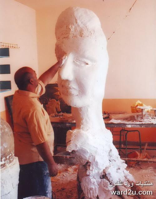 تمثال جبس من الاعمال العالمية