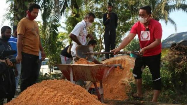 Bupati Pelalawan H. Zukri Bersama Wakil Ketua DPRD Gotong Royong