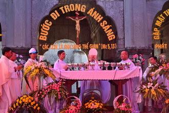 Gần 6.000 Thiếu nhi Phát Diệm gặp mặt, mừng lễ quan thầy lần thứ IV