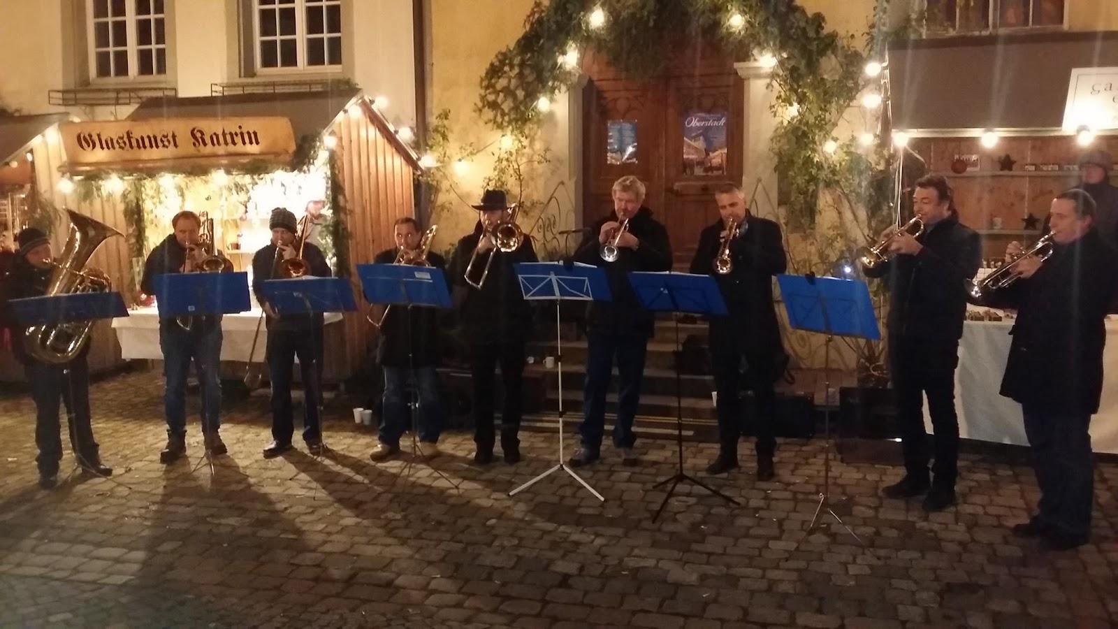 Ensemble beim Weihnachtsmarkt in der Oberstadt am 13.12.2015