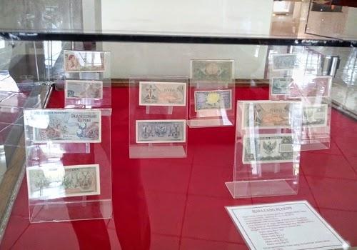 Penampakan uang di zaman baheula