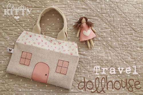 travel dollhouse01