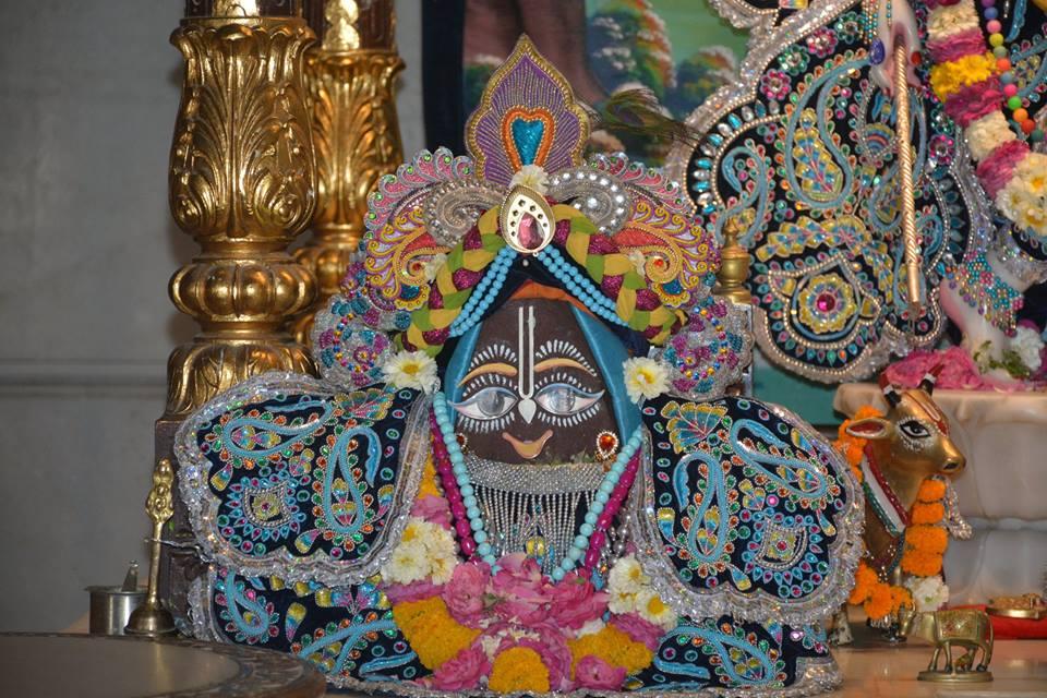 ISKCON Ujjain Deity Darshan 05 April 2016  (12)