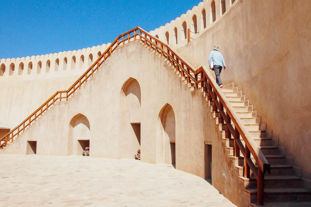 [Emily-Lush-Nizwa-Fort-Oman%5B5%5D]