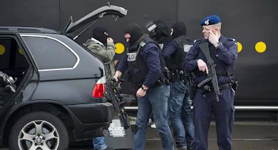 """""""سيارة مفخخة وأحزمة ناسفة""""... إحباط هجوم ضخم في هولندا"""