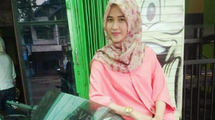 Fatima Bawa Nama Daerah ke Ambon