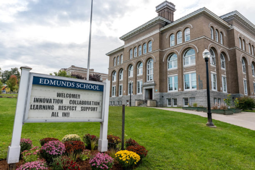 Burlington School District to remove police officers from schools