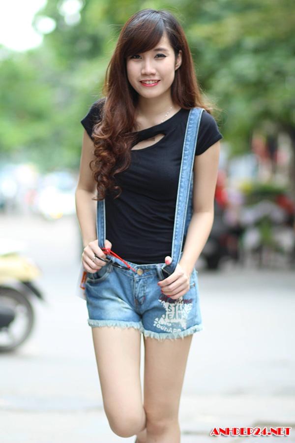 Ngắm gái xinh mặc quần ngắn siêu sexy