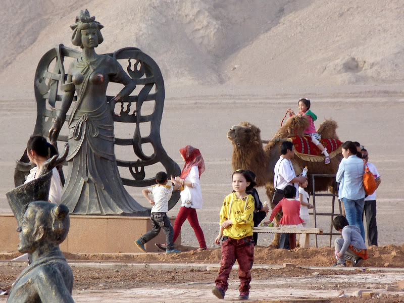 XINJIANG.  Turpan. Ancient city of Jiaohe, Flaming Mountains, Karez, Bezelik Thousand Budda caves - P1280015.JPG