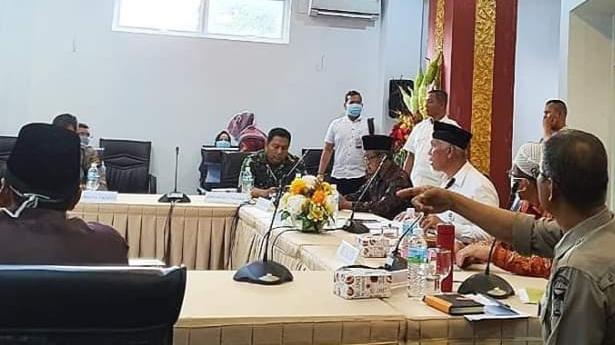 Cegah Penyebaran Covid-19, Salat Jumat di Padang Ditiadakan