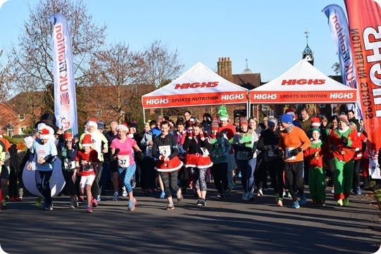 The start of the 5 kilometre festive fun run (1)