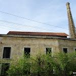 Ancienne usine et cheminée