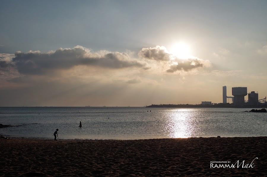 夕陽下的洪聖爺灣