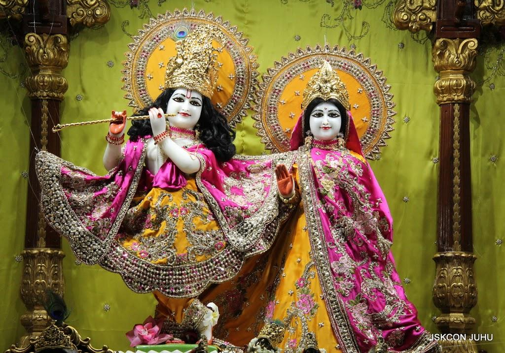 ISKCON Juhu Mangal Deity Darshan on 24th Aug 2016 (22)