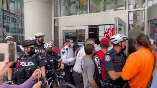 2 people charged with assault after anti-vaccine protest at Toronto mall