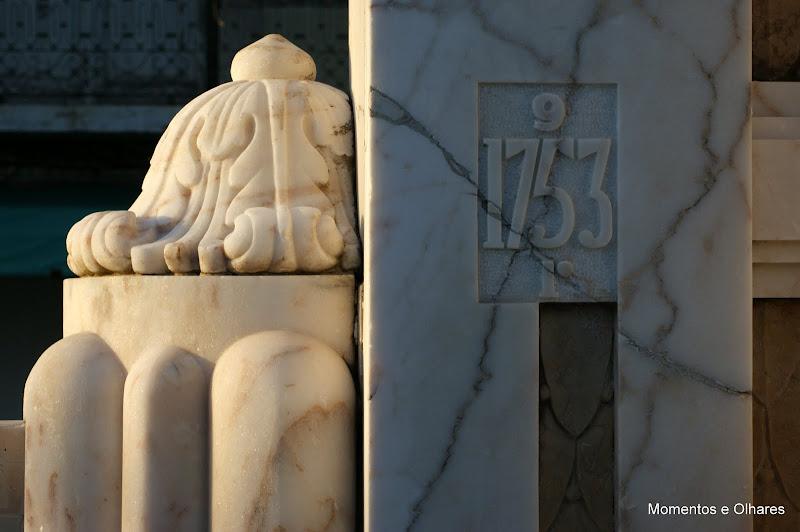 Monumento a Luísa Todi