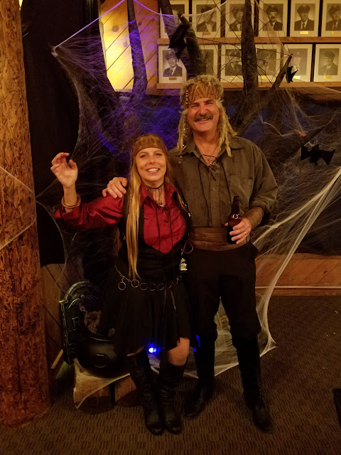 2017 Halloween/Oktoberfest - 20171021_181346_resized.jpg
