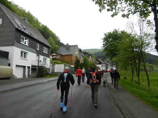 """ Bödefelder Hollenmarsch"", 101km (ou 67,...): 10-11/5/2013 B%25C3%25B6defeld%252C%2B1819-05-12%2B048"